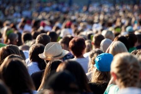 EM_shutterstock_crowd people