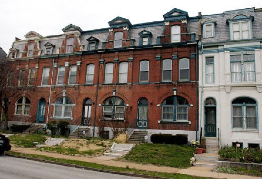 Homes-in-Fox-Park.2.jpg