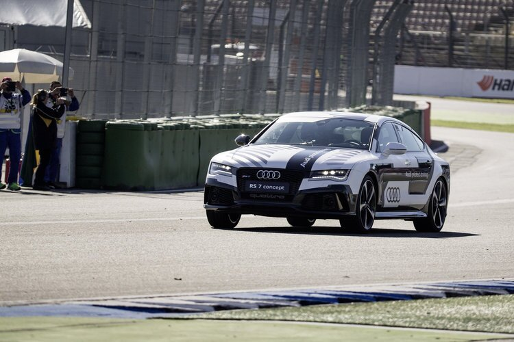 Audi-RS7-Piloted-Driving-Concept-14
